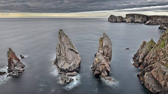 Image of rocks in the sea