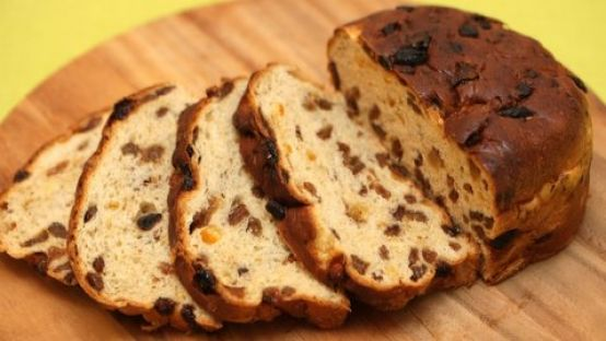 image of sliced barmbrack loaf