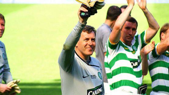 Image of Packie Boner waving