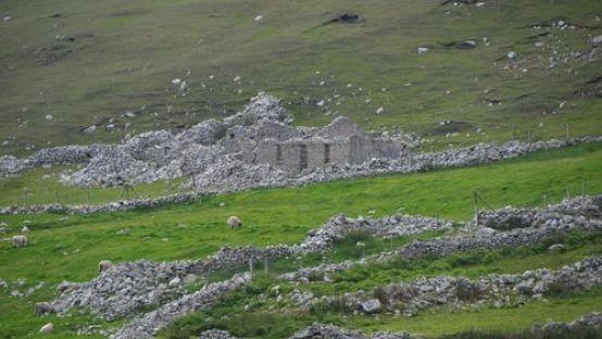 Image of Port, Donegal, deserted village during Famine courtesy of www.welovedonegal.com