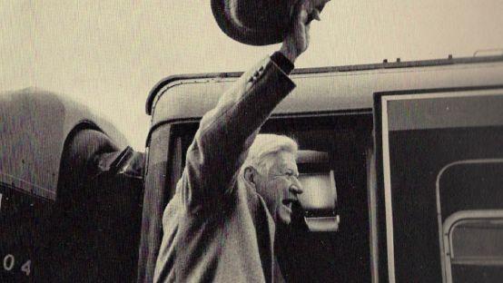 Image of Tip O'Neill waving goodbye to Ireland