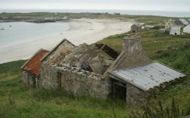 Image of ruined house on Arranmore Island